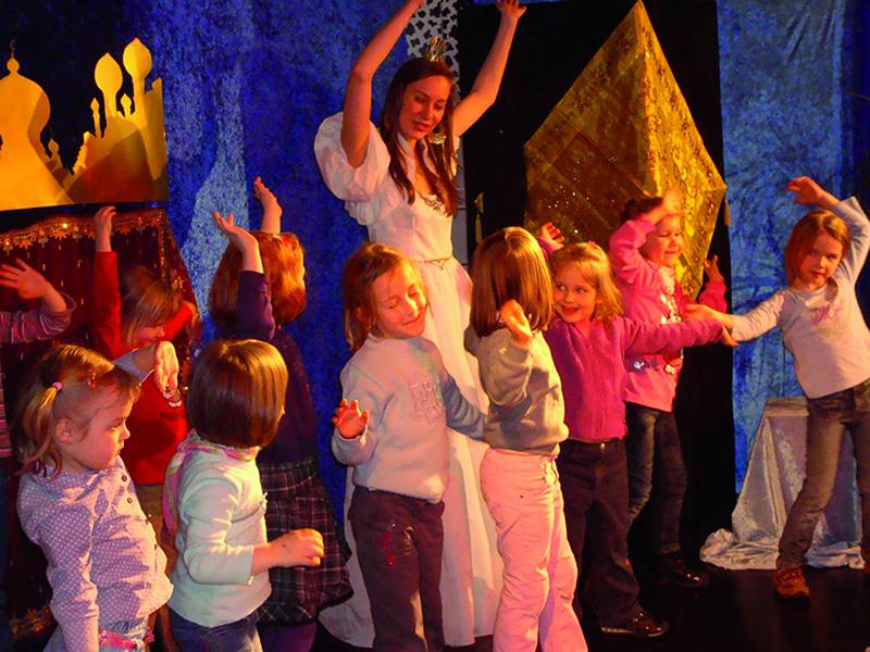 Märchen-Mitspieltheater